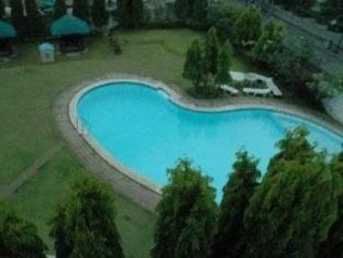 Days Hotel Batangas Batangas - Swimming Pool