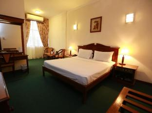 Hotel Sapphire Colombo - Deluxe Room