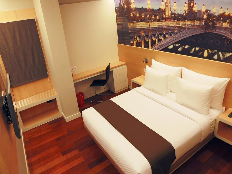 Citihub Hotel Pecindilan Surabaya Indonesia Overview