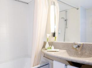 NH Wien Airport Vienna - Bathroom