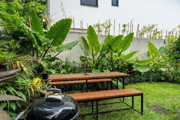 NEW Tropical Loft Villa #2 in Canggu walk to beach