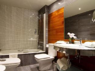 Sansi Diputacio Hotel Barcelona - Bathroom