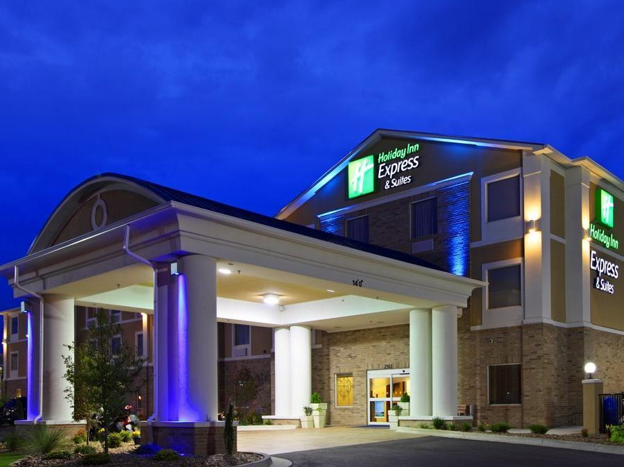 Holiday Inn Express And Suites Lantana