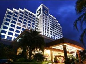 Fenggang Gladden Hotel