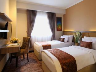 /fi-fi/syariah-hotel-solo/hotel/solo-surakarta-id.html?asq=vrkGgIUsL%2bbahMd1T3QaFc8vtOD6pz9C2Mlrix6aGww%3d