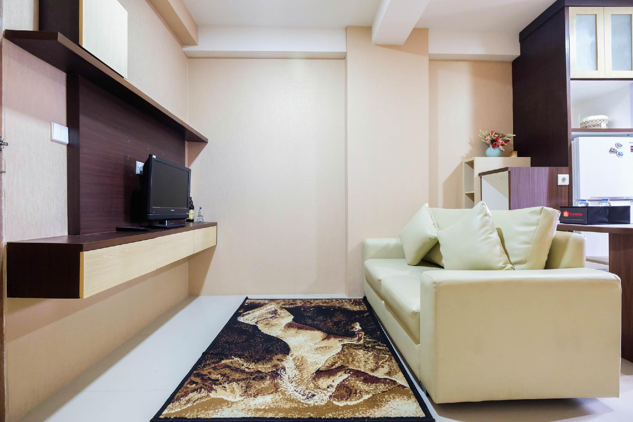 Homey 2BR The Oak Tower Apartment By Travelio