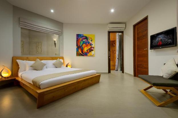 Brand New Luxury Villa in Oberoi
