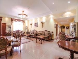 關於阿魯爾克拉斯可飯店 (Ajur Classik Hotel)