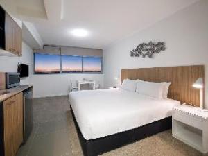 Oaks Rivermarque Hotel
