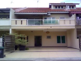Echo Vacation Home at Taman Nusa Idaman