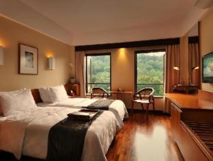 Padma Hotel Bandung Bandung - Deluxe Room