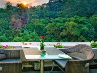 Padma Hotel Bandung Bandung - Restaurant