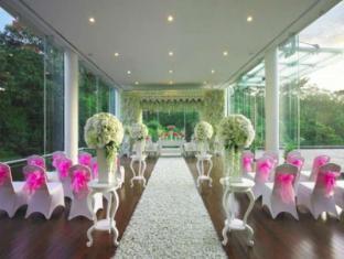 Padma Hotel Bandung Bandung - Facilities
