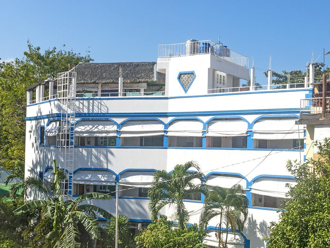 Island Jewel Inn