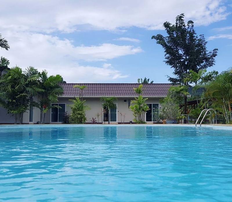 Palm Lodge Resort ปาล์ม ลอดจ์ รีสอร์ท