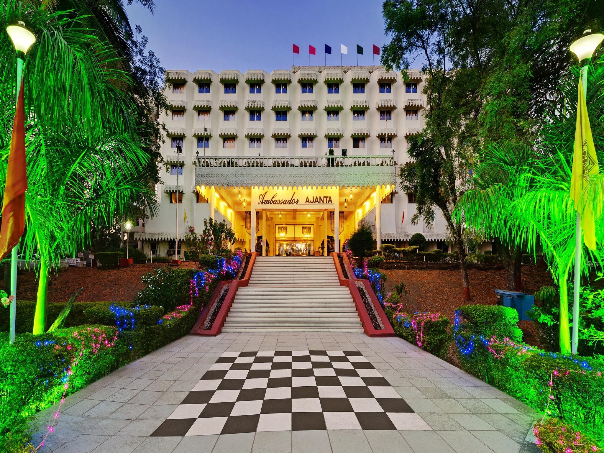 Hotel The Grand Pritam