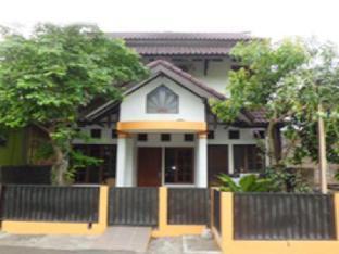 Omah Kragilan Guest House