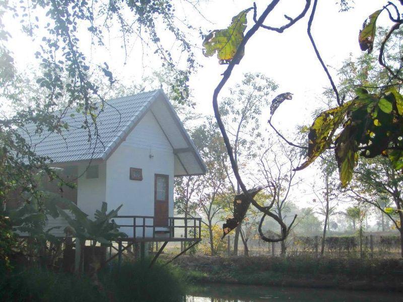 Baanhormdin Klinna บ้านหอมดิน กลิ่นนา