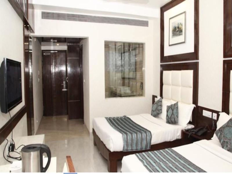 Hotel Emerald 5