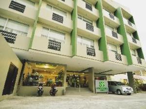 88 Courtyard Hotel