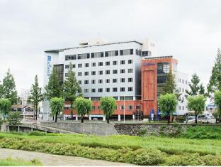 /fr-fr/jeonju-jk-guesthouse/hotel/jeonju-si-kr.html?asq=vrkGgIUsL%2bbahMd1T3QaFc8vtOD6pz9C2Mlrix6aGww%3d