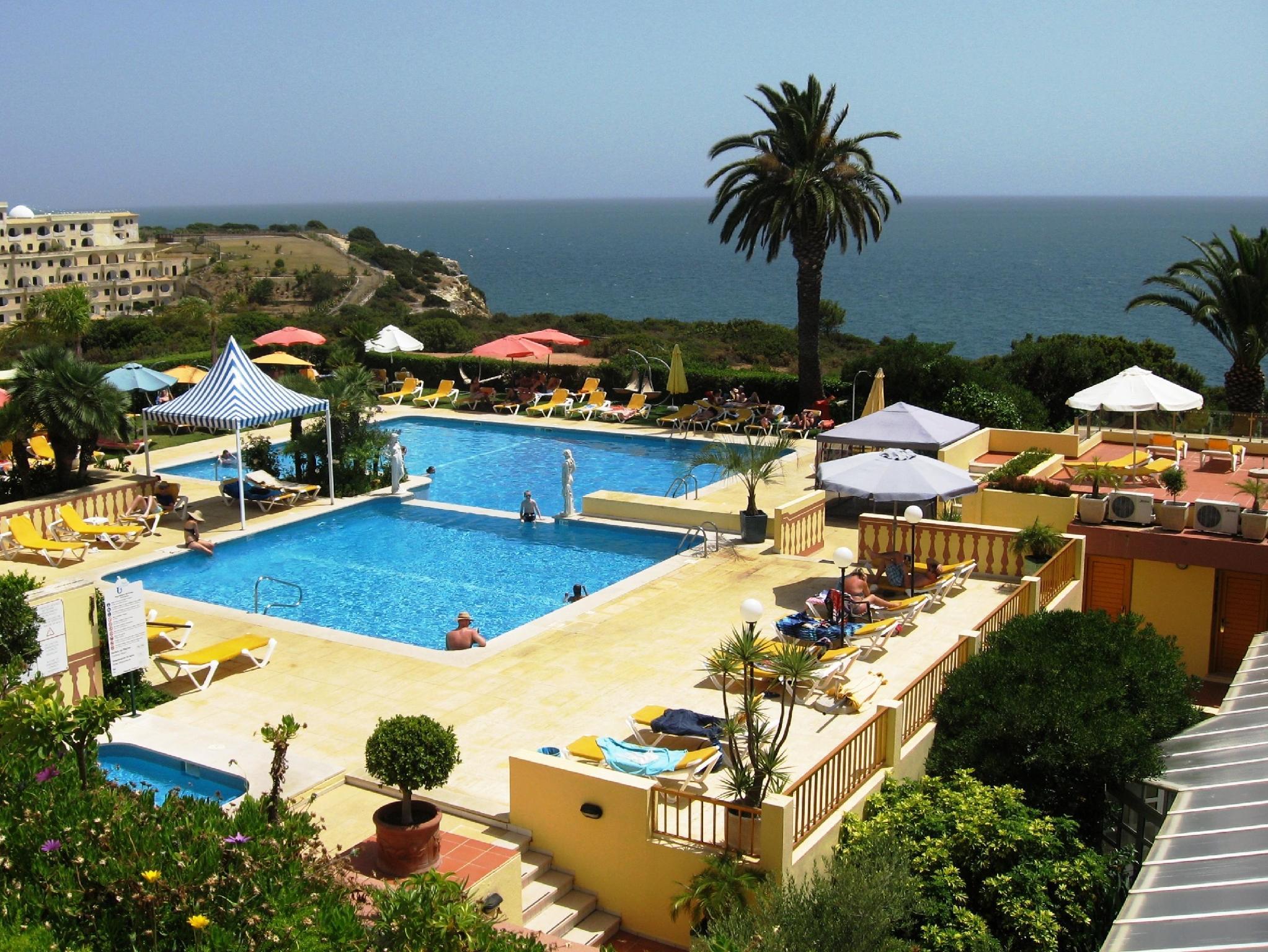 Hotel Baia Cristal Beach And Spa Resort