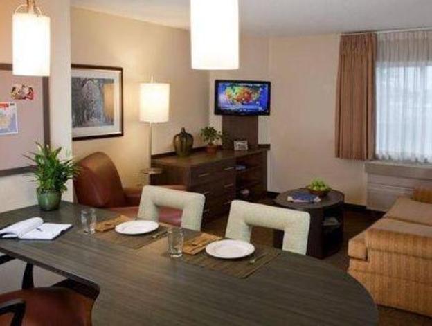 Candlewood Suites Des Moines