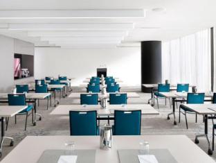 Crown Promenade Hotel Melbourne - Meeting Room