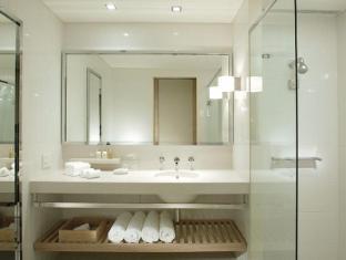 Crown Promenade Hotel Melbourne - Bathroom