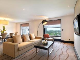 Sama-Sama Hotel Kuala Lumpur International Airport Kuala Lumpur - Deluxe Suite- Living Area