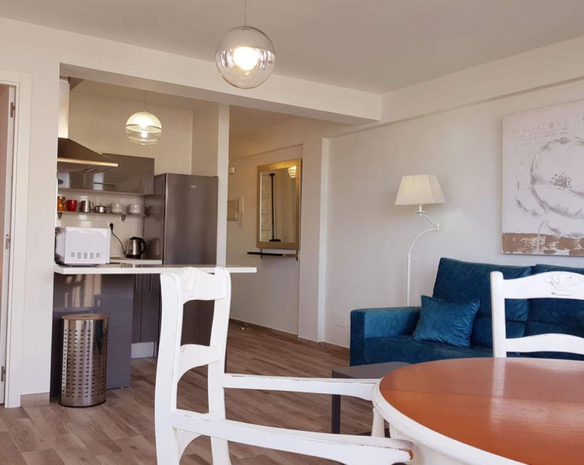 106990   Apartment In Torre Del Mar
