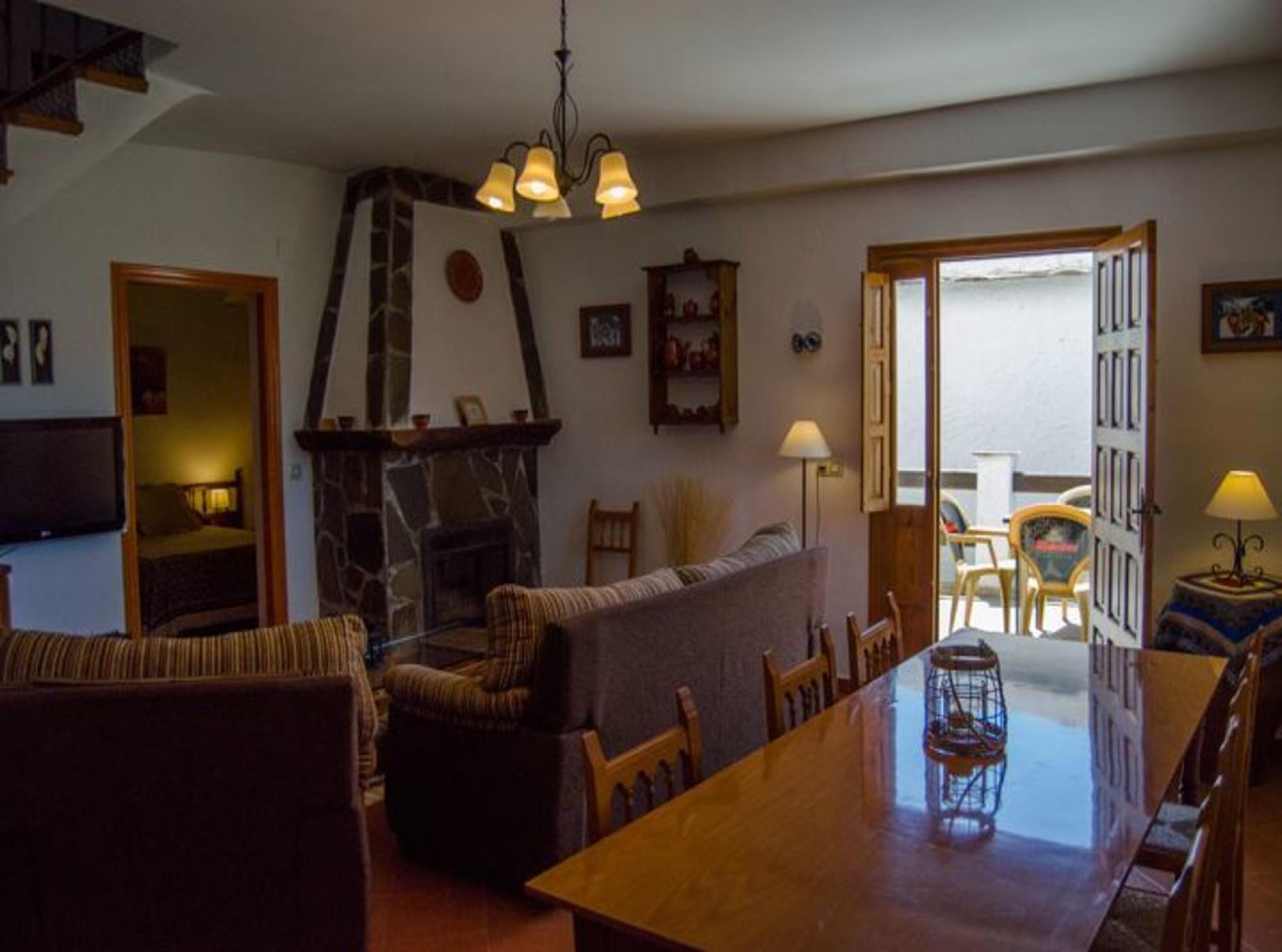 105797   Apartment In Alpujarra De La Sierra