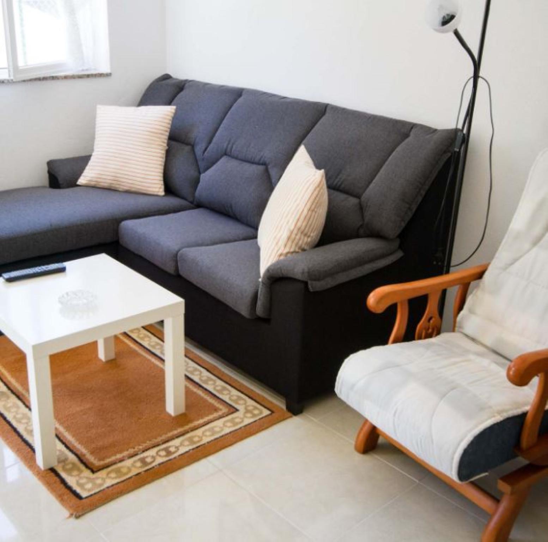 106403   Apartment In Lari�o