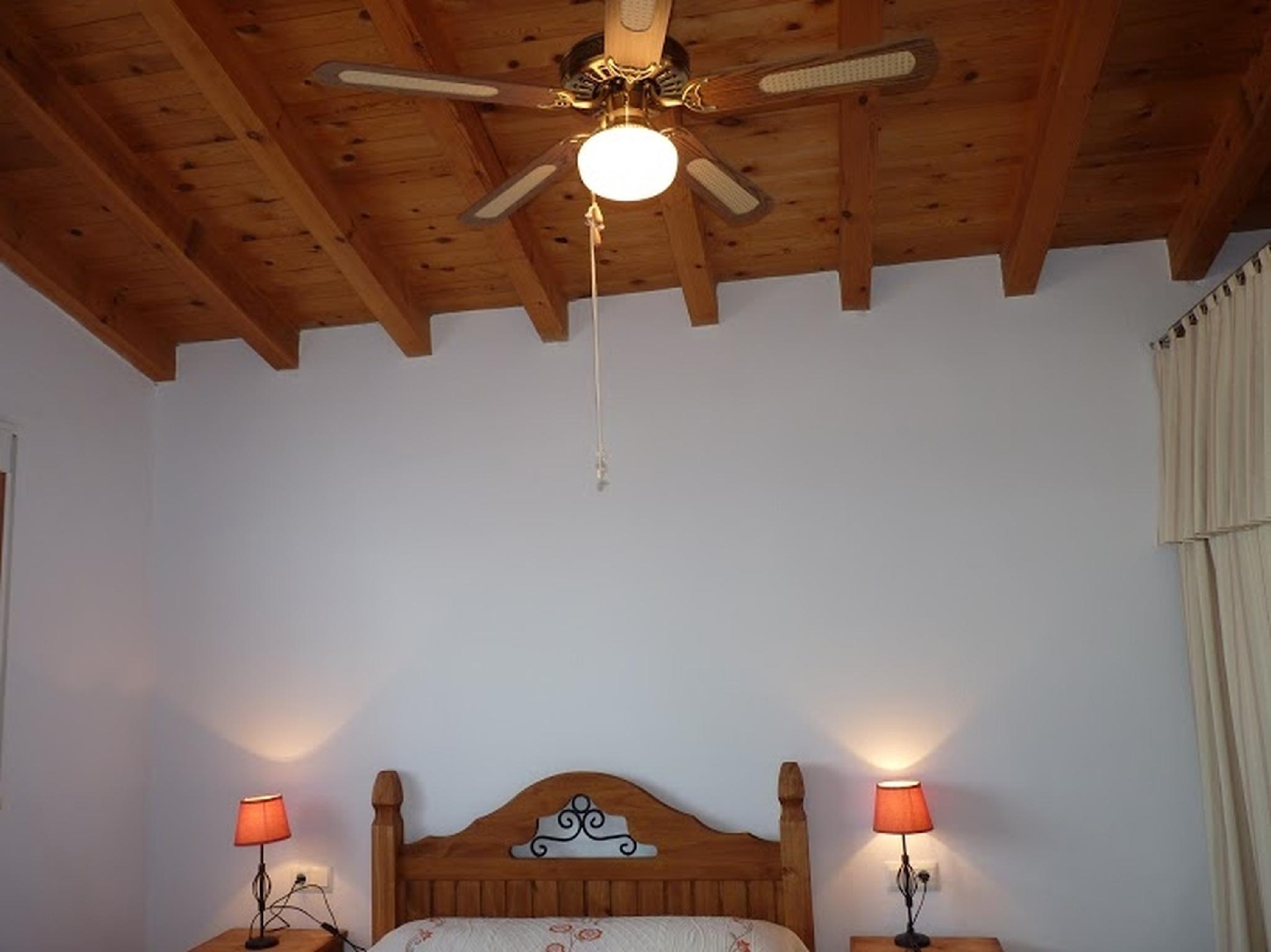101849    Villa In Almchar