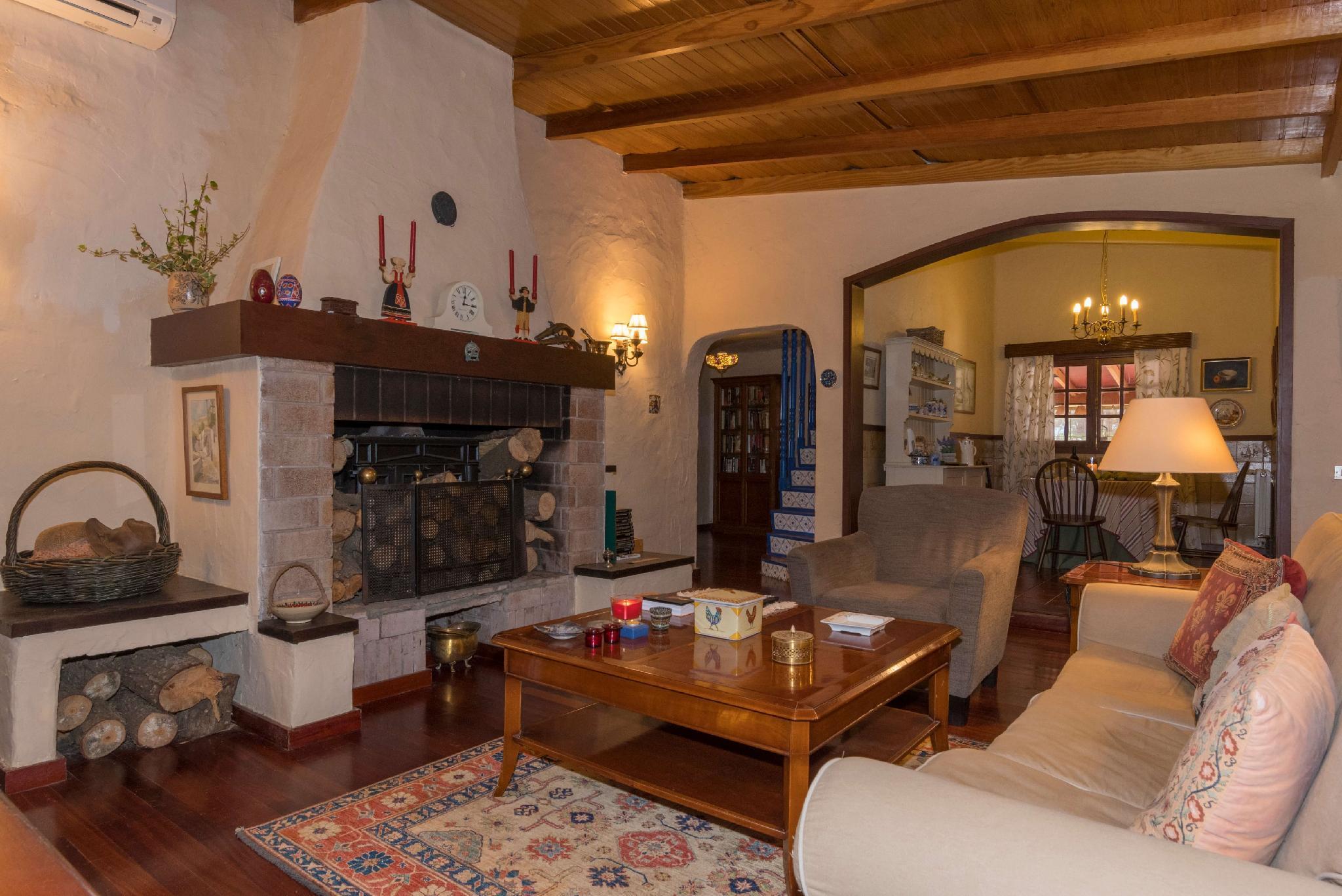 106861   House In Galdar