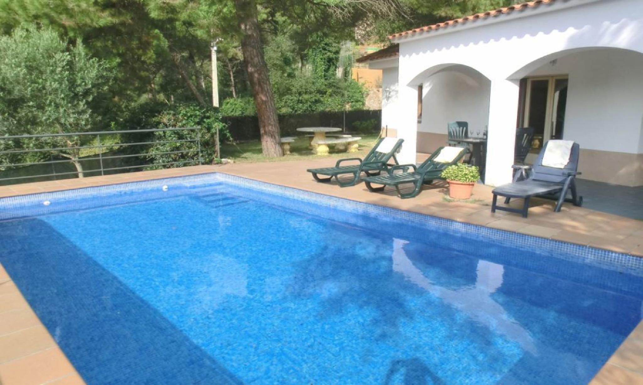 104836   Villa In Lloret De Mar