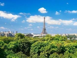 Hotel Brighton Paris - View