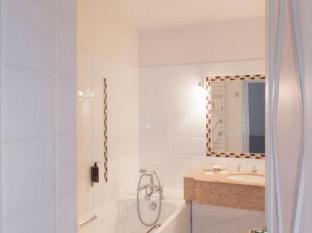 Hotel Brighton Paris - Bathroom