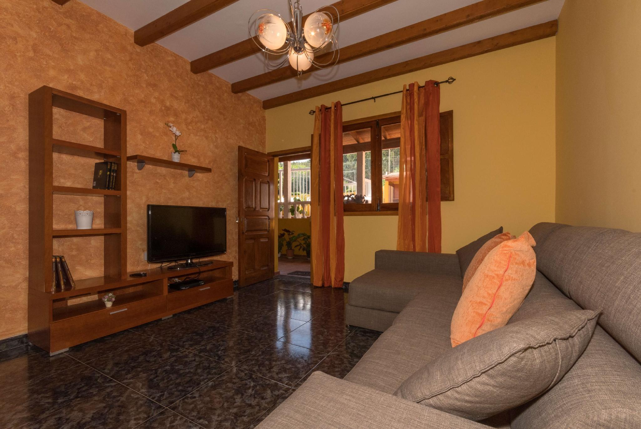 106792   House In Moya