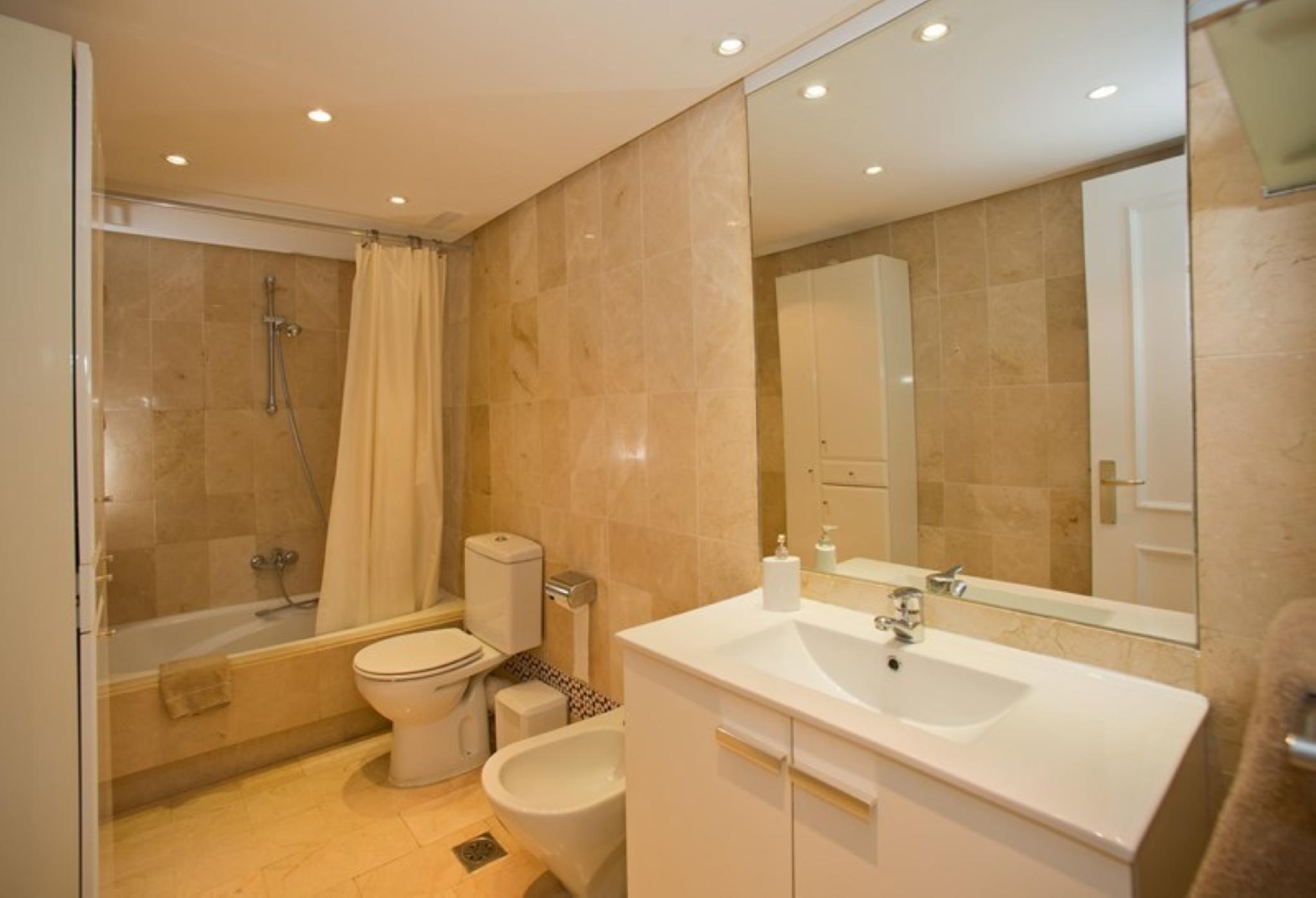 102958   Apartment In Marbella