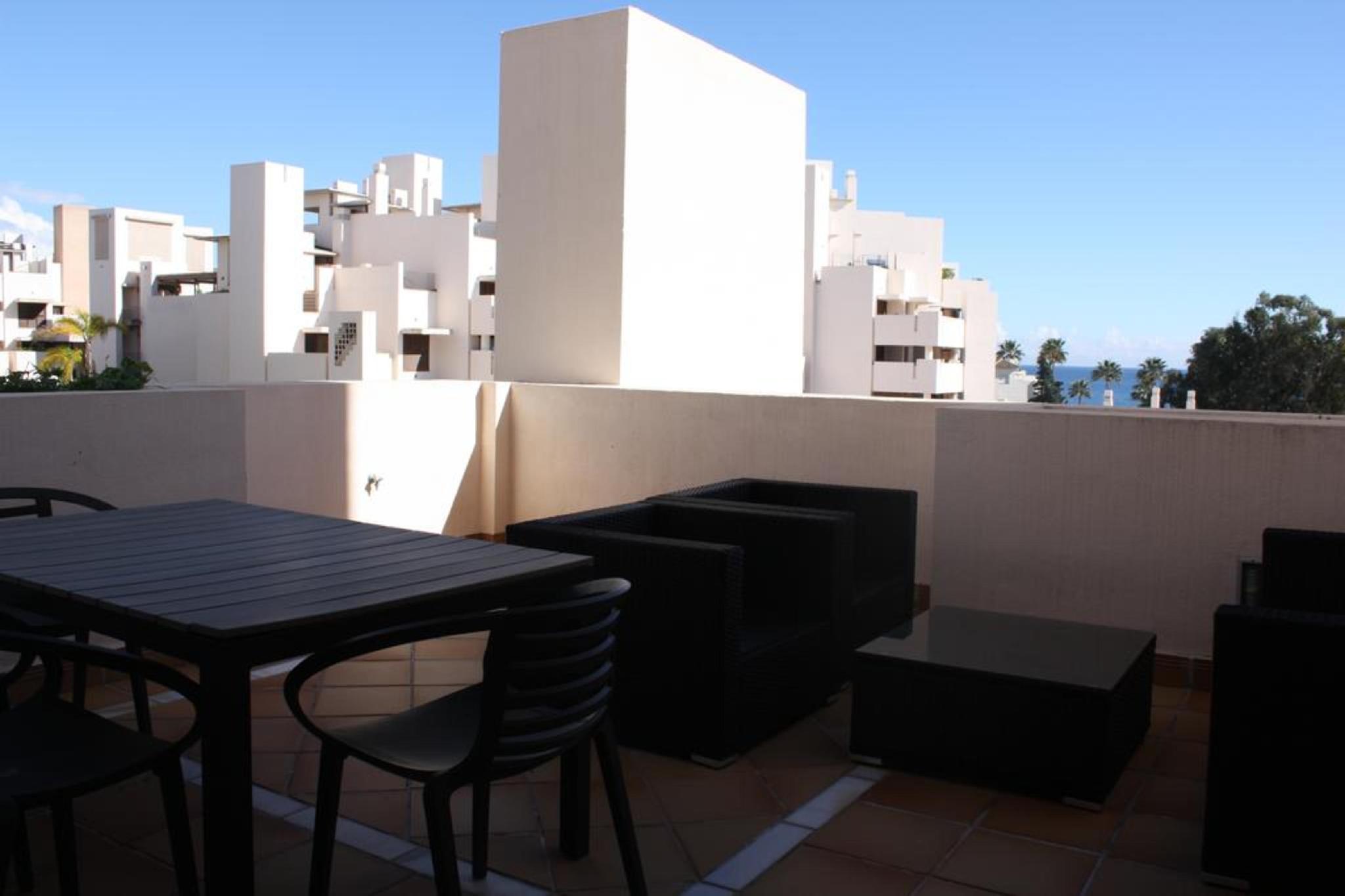 107038   Apartment In Estepona