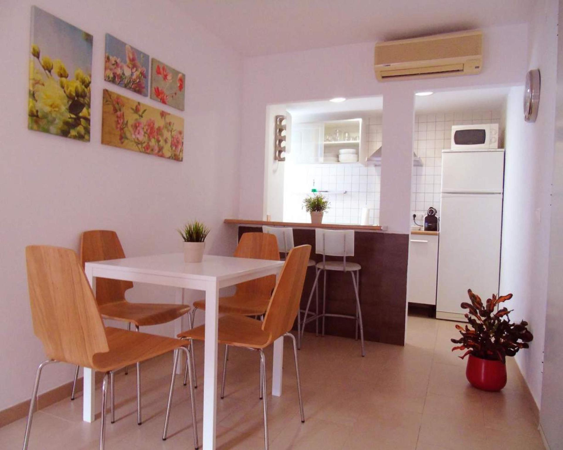 106951   Apartment In Malaga