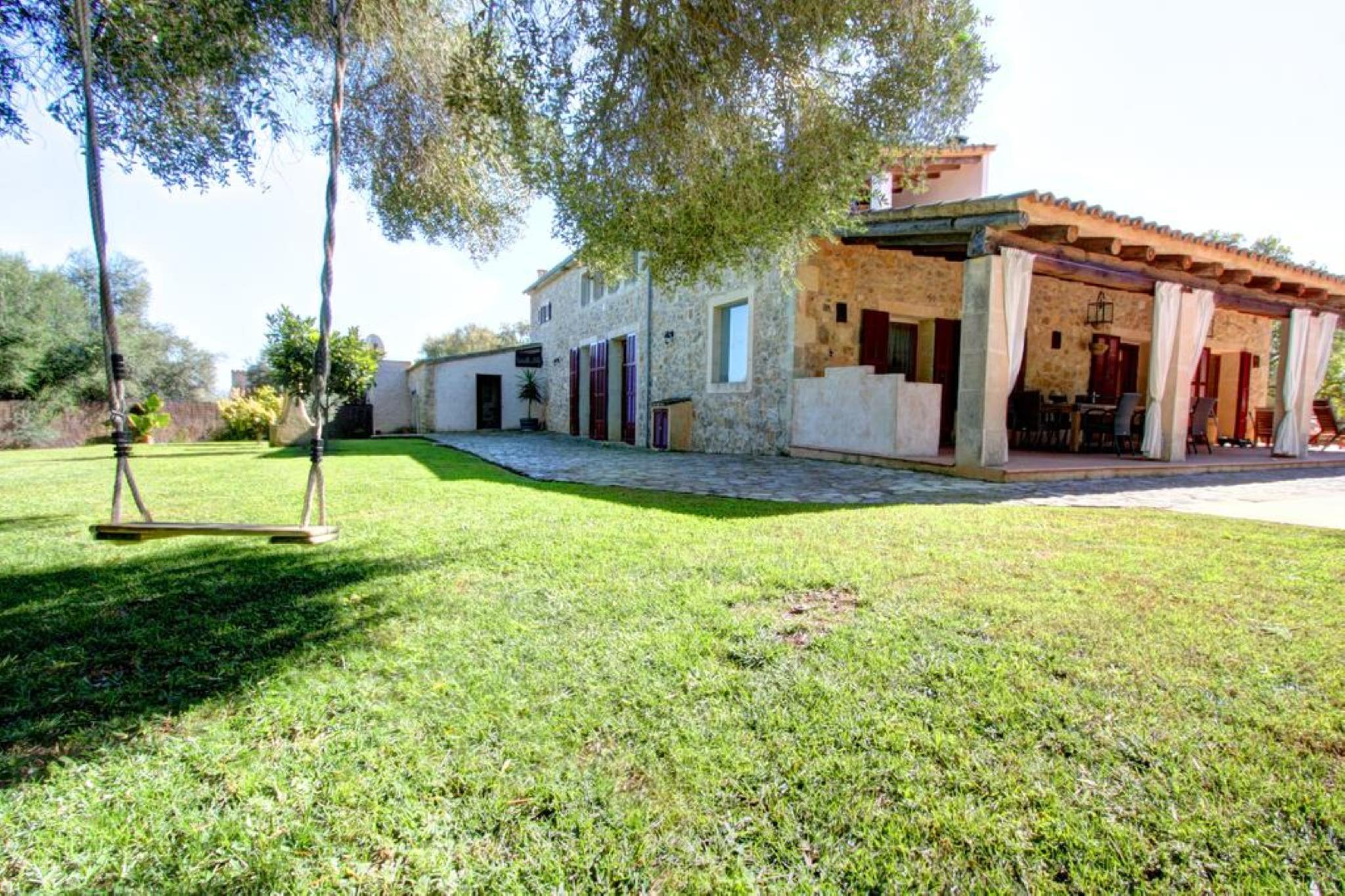 106039   Villa In Porreres
