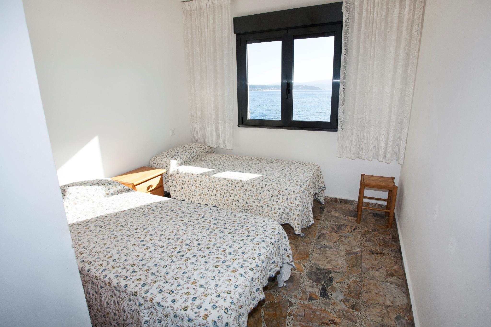 104064    Apartment In Portonovo