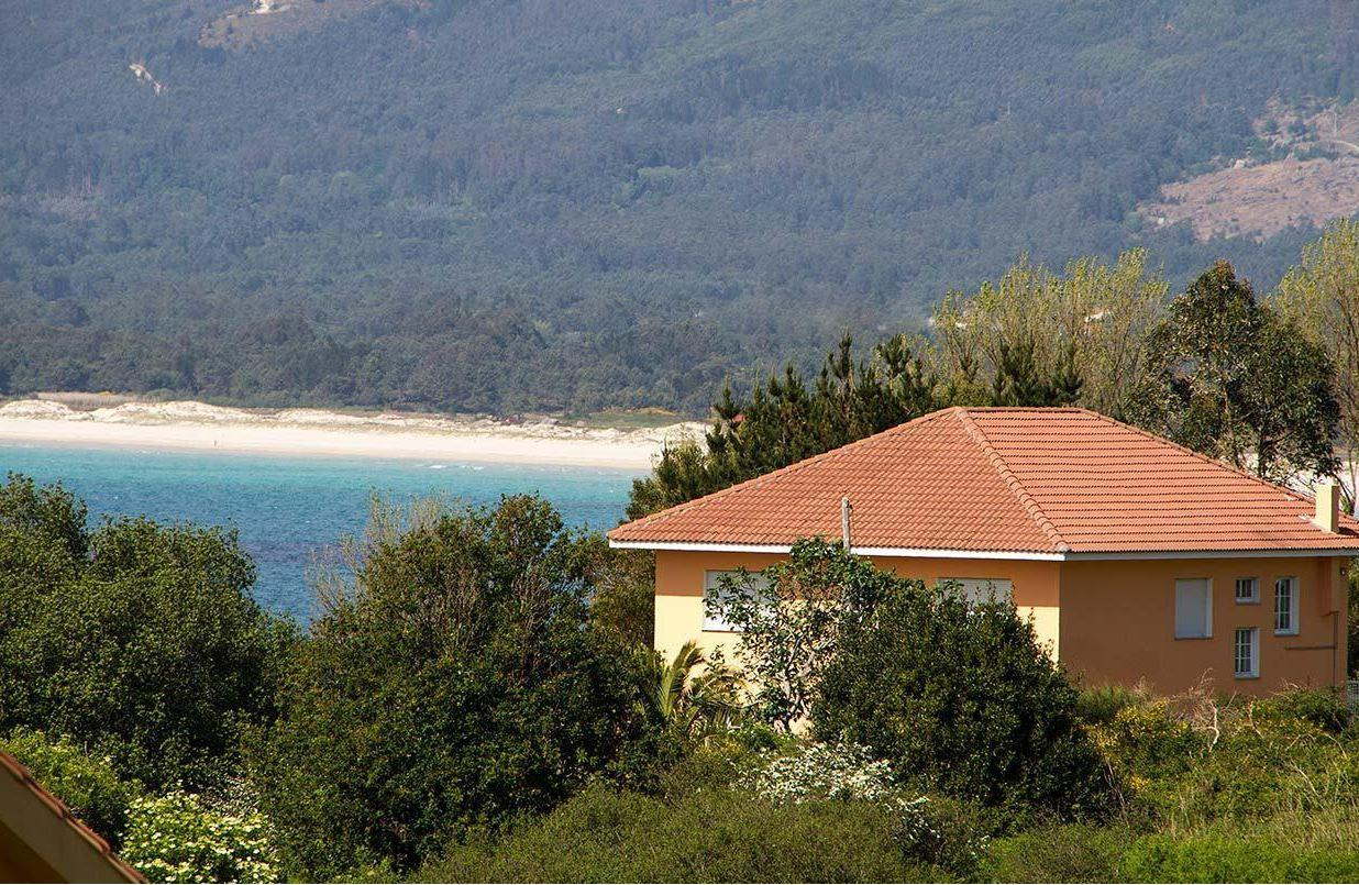 104528   House In Carnota