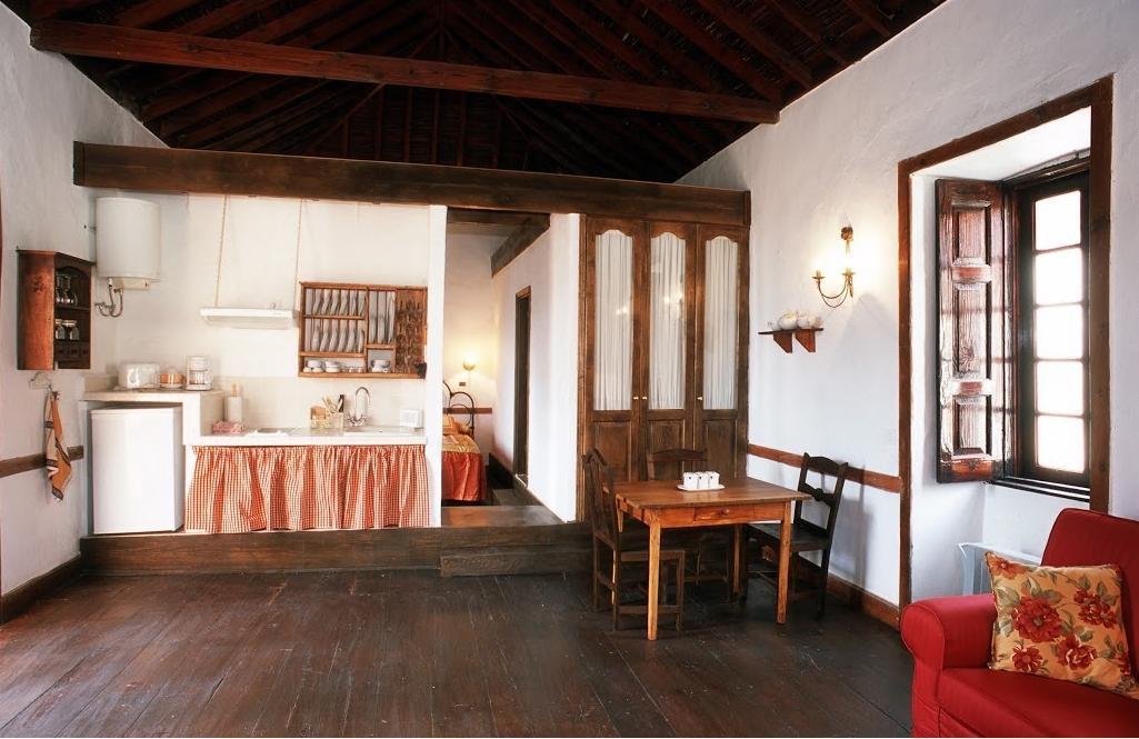 102561   Apartment In Santa Luc�a De Tirajana