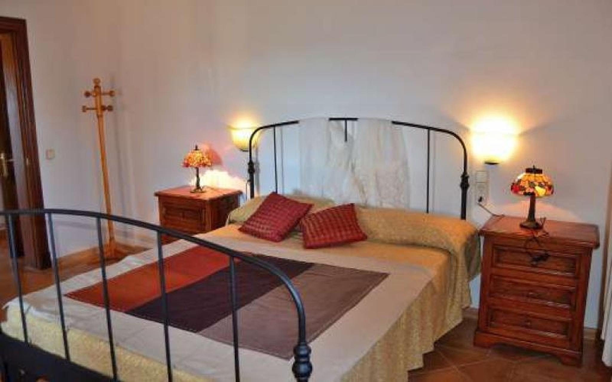 102063   Villa In Manacor