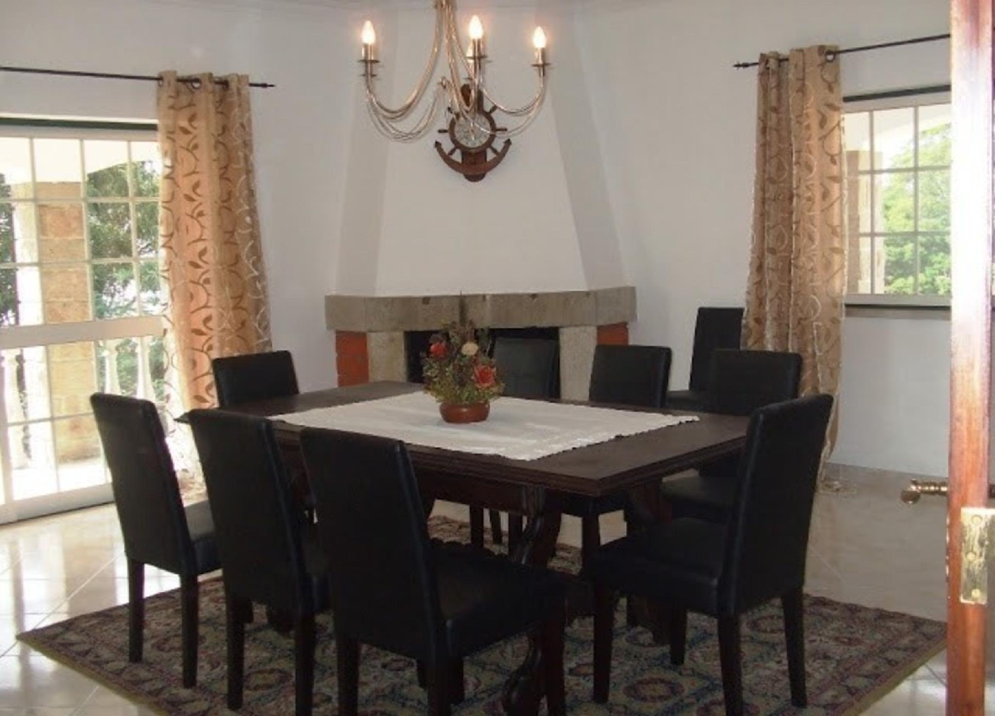 102900   Villa In Sintra
