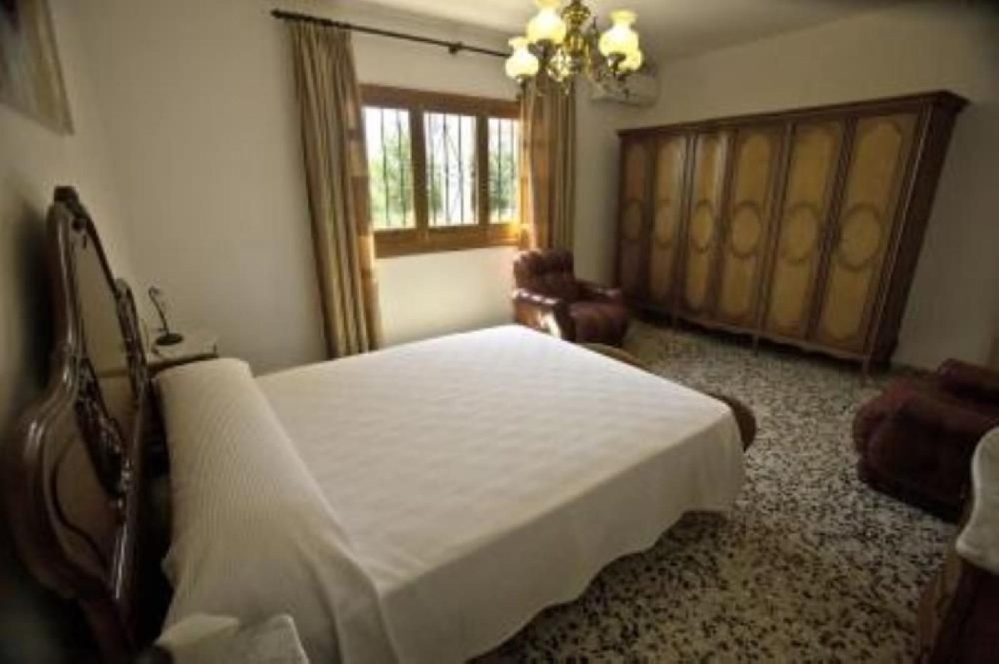 100572   Villa In Santa Eulalia Del R�o