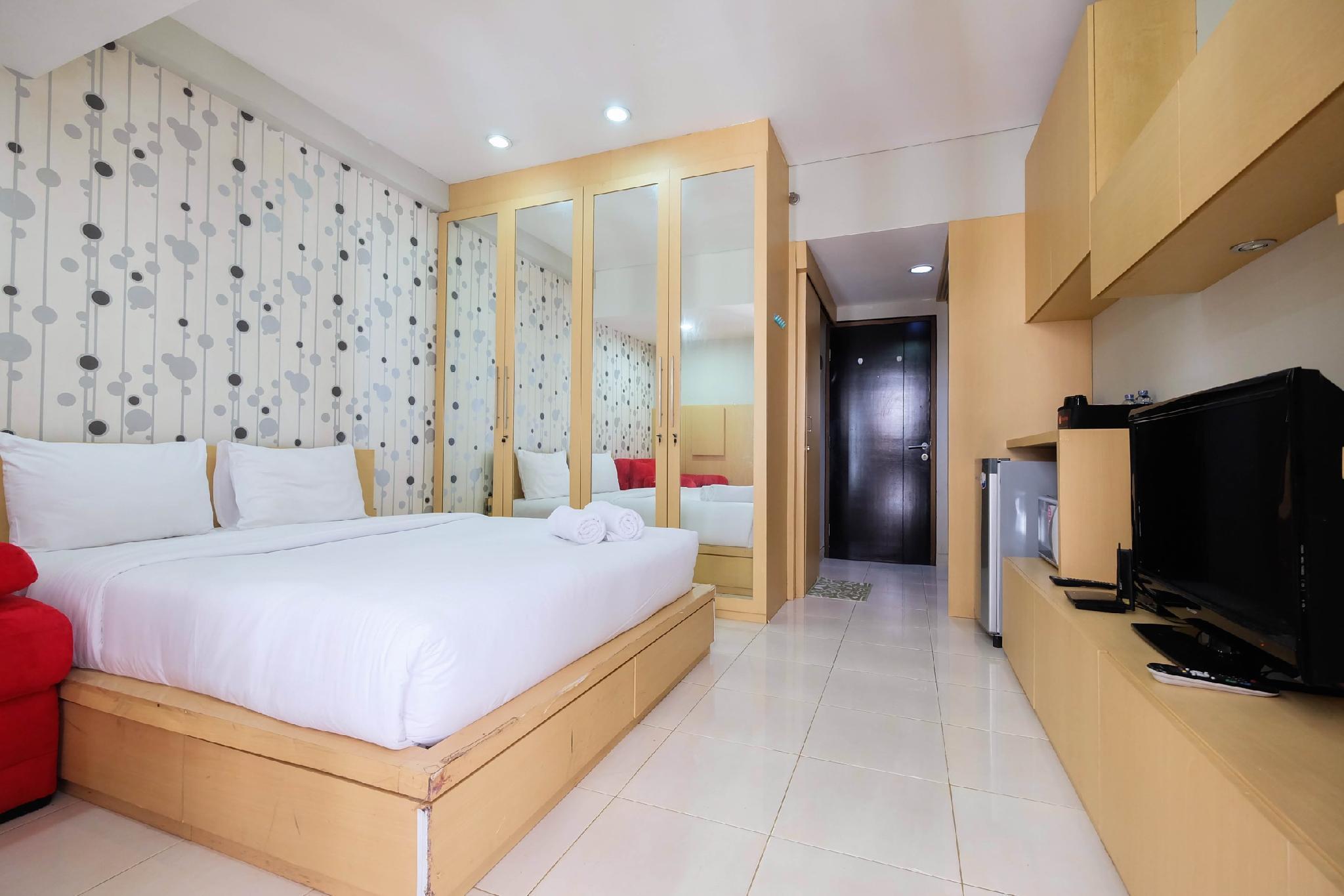 Clean Studio Apt At Tamansari Sudirman By Travelio